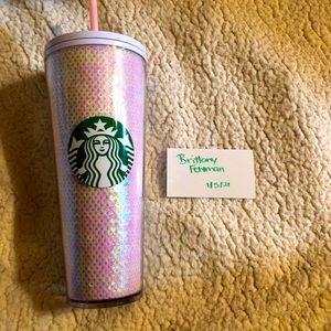 Mermaid 🧜♀️ sequenced Starbucks up 🤍